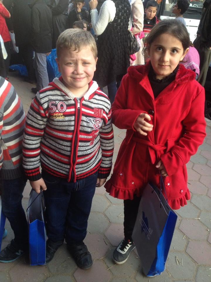 أطفال سوريون في حفل اليوم العالمي للطفل