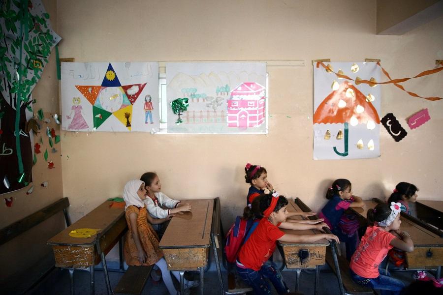 صف دراسي في مدرسة دار الأمان لأبناء الشهداء في طرطوس