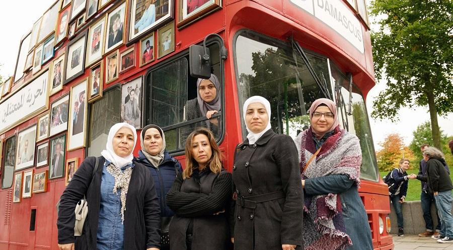 سيدات سوريا مشاركات في حملة باص الحرية - لندن