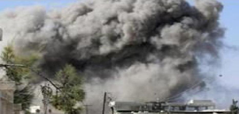 مقتل العشرات من الحشد الشعبي العراقي وحزب الله اللبناني في البوكمال في قصف جوي مجهول الهوية