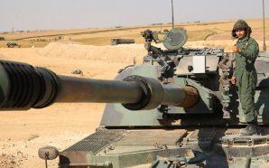 مدفعية الجيش التركي قبالة الحدود السورية التركية